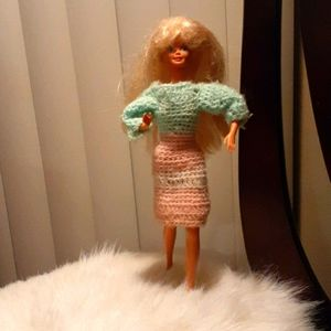 Barbie in Knitted Dress, Fluppy Long Blonde Hair